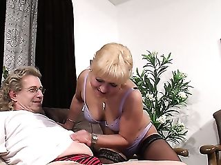 Perverted Ponytailed Blondie Is Impatient To Rail Old But Gold Knob On Top