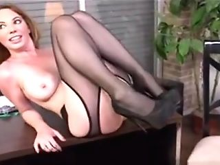 Mummy Honey Kiki Daire Gets Interviewed At Dogfart