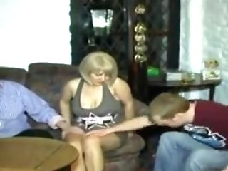 Stp5 Hot Sexy Mummy Takes Hubby And Sonny In The Bar !