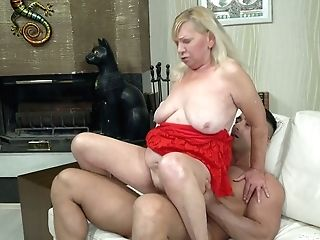 Blondie Filthy Granny Irene Has An Affair With Youthfull Gorgeous Neighbor