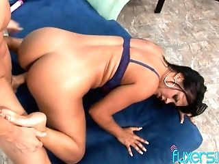 Some Good Missionary And Sideways Fuck Bring Huge-boobed Dark Haired Delight