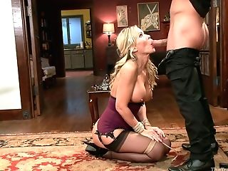 Tying Hooker Veronica Avluv Asks For Help But Dude Fucks Her Fuckholes Sans Grace