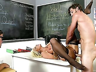 Ardent Brittany Andrews Blows Chisel And Gets Poked Mish On The Table