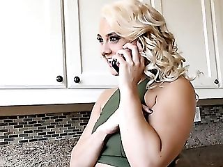 Slit Lips Of Zealous Blondie Maria Jade Get Spread By Strong Stud
