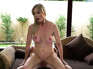 Picked Up In The Neighborhood Matures Biotch Nadya Basinger Gives Nice Head