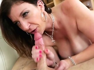 Juggy Cougar Sara Jay Provides Youthful Dude With A Fine Dt