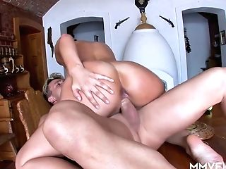 Man Eating Bitch Lisa Sparkle Gets Her Cupcakes And Vulva Fucked