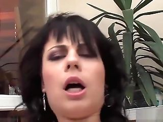 Hot Raven-haired Bimbo Has Her Gash Drilled